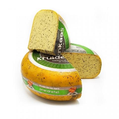 Сыр Фермерский BOERENKAAS BRANDNETEL (с крапивой) фото